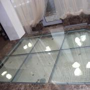 пол стеклянный с подсветкой
